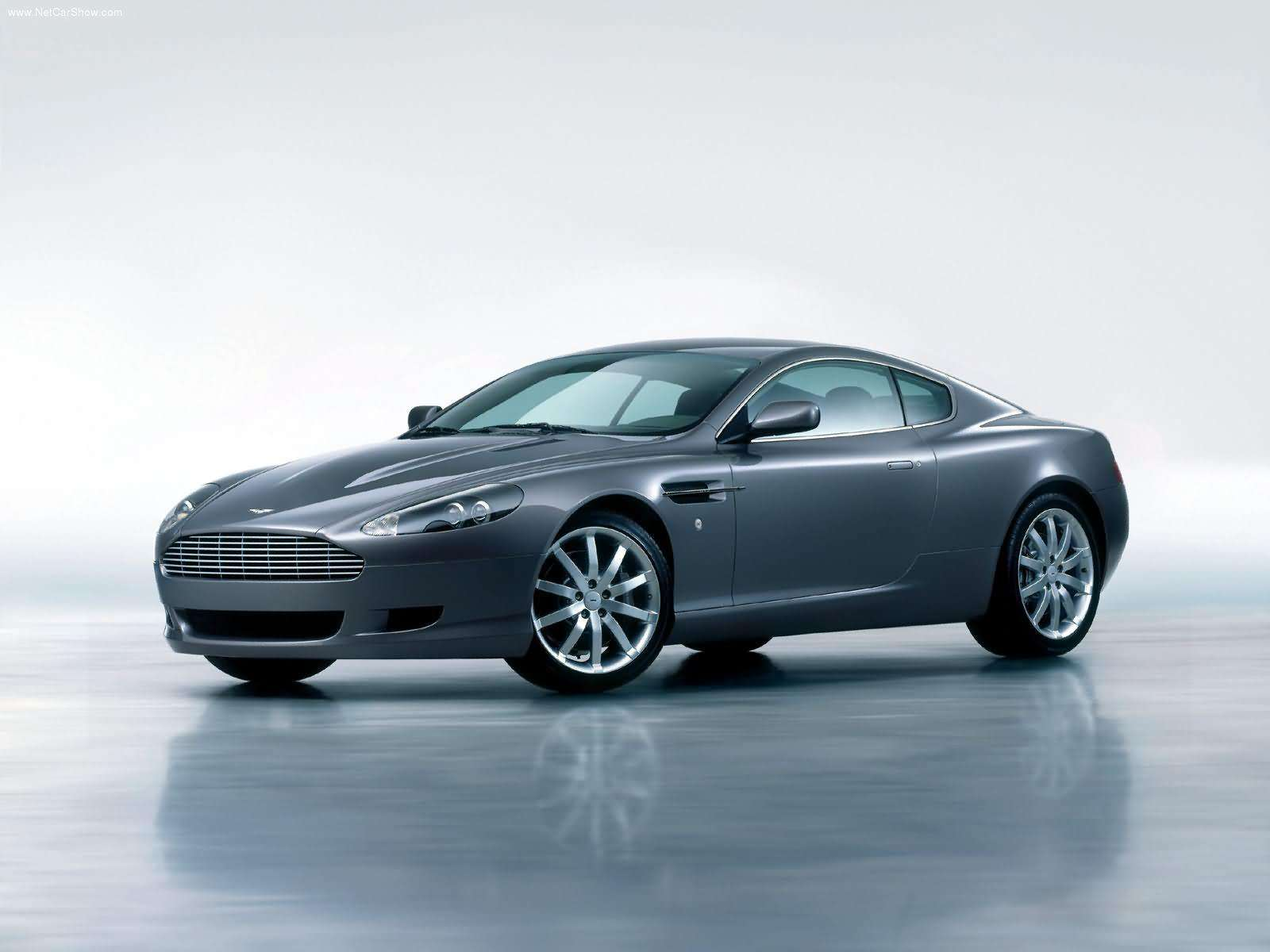 Aston Martin DB9 Coupe 2005