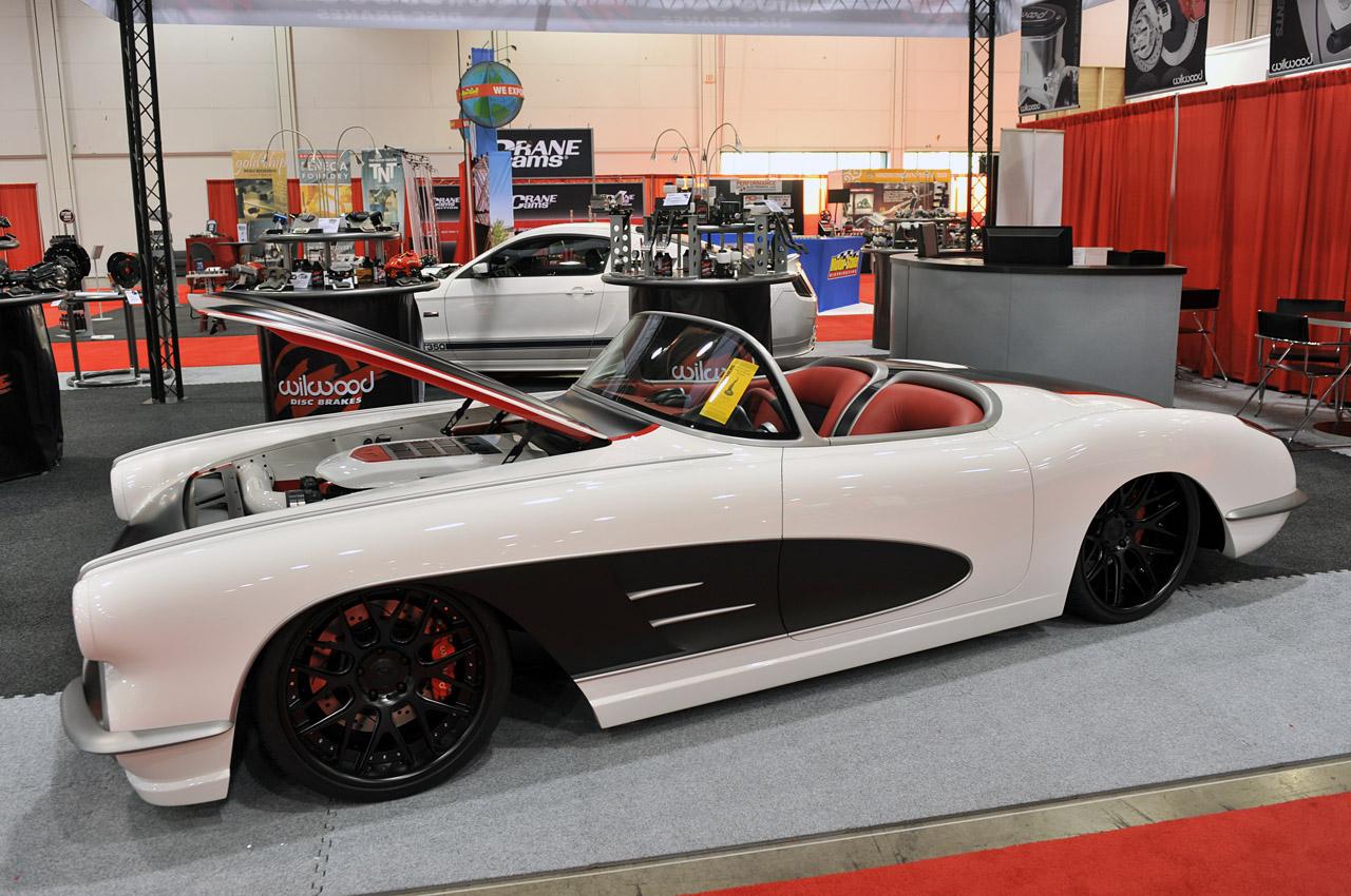 Remplacer capot Corvette C3 81 par celui dune C3 de