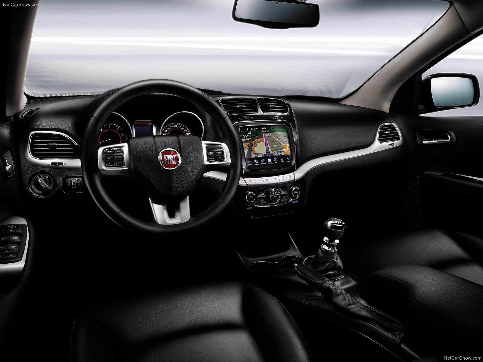 Fiat Freemont Crossover 2012